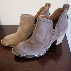 Jeffrey Campbell Rosalee suede booties size 8.5